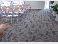 Sàn nhựa giả thảm sang trọng và hiện đại cho không gian nội thất