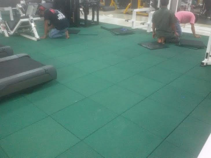 sàn cao su đa năng cho phòng gym màu xanh