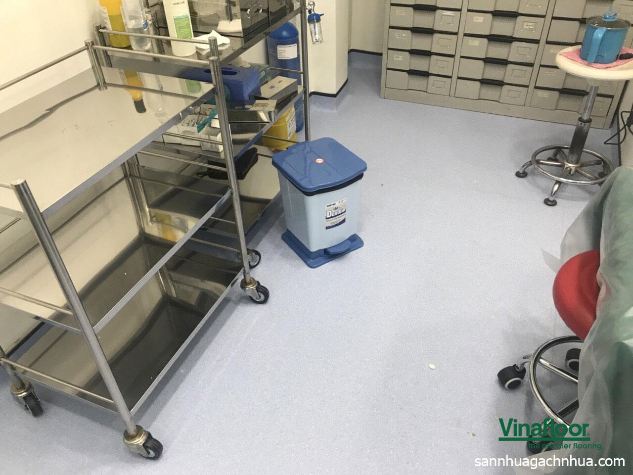 sàn vinyl kháng khuẩn