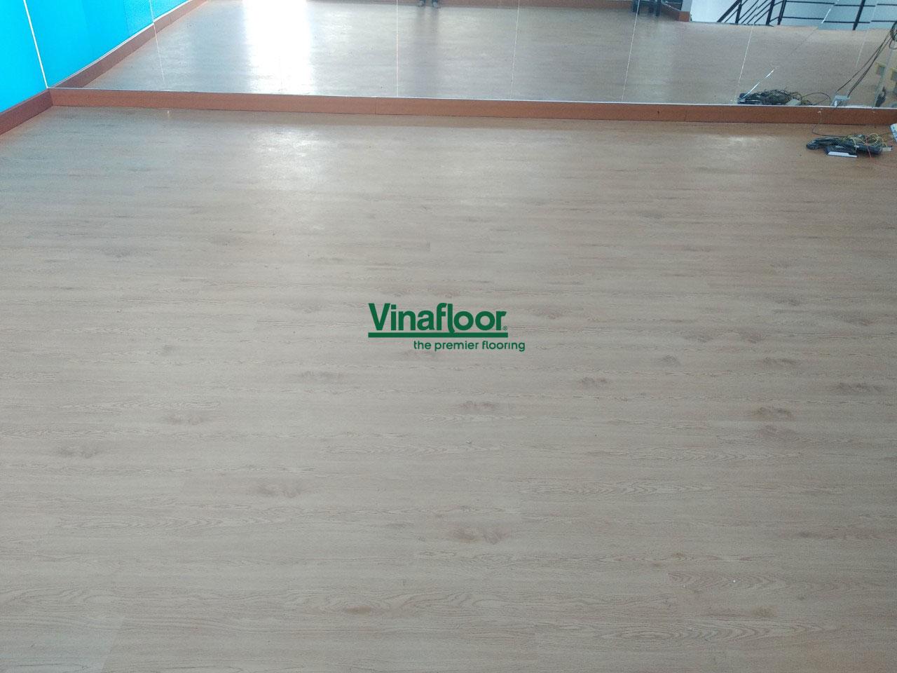 Công trình sàn nhựa giả gỗ spc1134 VShape Fitness & Yoga Center Quận Tân Bình