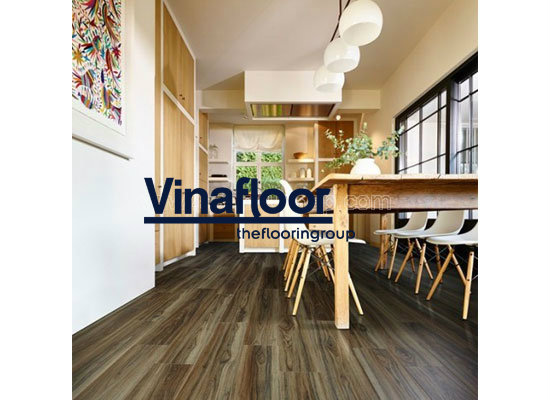 Những mẫu sàn bếp sang trọng sử dụng lát nền bằng sàn nhựa giả gỗ 2